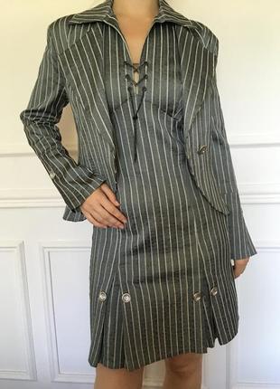 Новый женский костюм. размер 46-48.