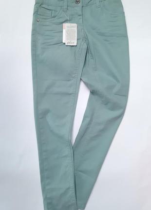 Мятные джинсы на девочку alive