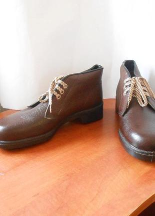 Кожаные ботинки от бренда dunlop, р.40-41 код n4003