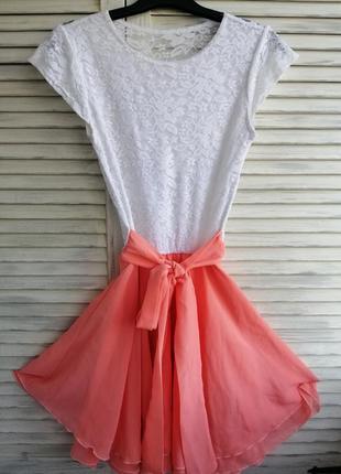 Легкое короткое платье с поясом