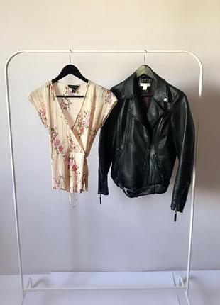 Нежная фактурная блуза-жатка в цветочный принт. р. м