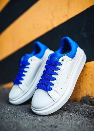 Шикарные женские кроссовки alexander mcqueen белые с синим