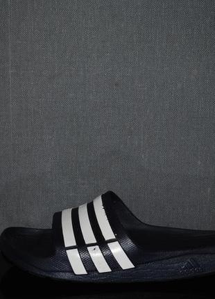 Шлепки adidas 44 р