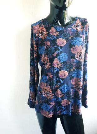 Яркая кофта свитшот с модным  цветочным принтом