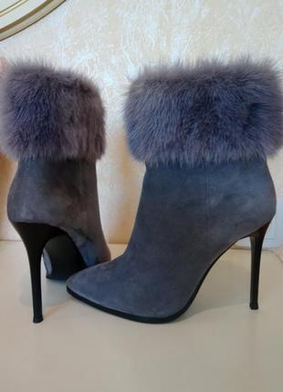 Зимние ботинки sasha fabiani,натуральный замш ,норка,натуральный мех внутри..