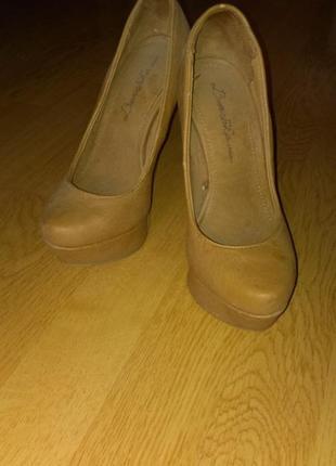 Красивые туфли bershka