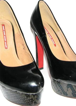 Туфли лаковые 39 размер