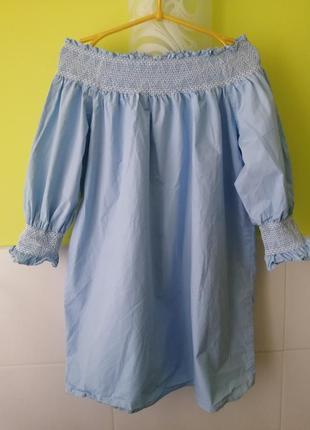 Платье с вышивкой открытыми плечами zara