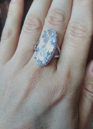 Кольцо 18 размер,с белым цирконом.