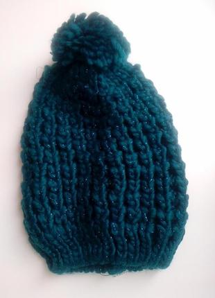 Красивая вязаная шапка