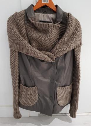 Кожаная куртка с вязаным капюшоном и рукавами