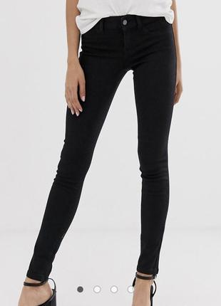 Чёрные джинсовые скинни /зауженные джинсы