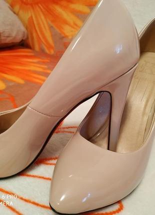 Шикарные туфли лодочки на шпильке