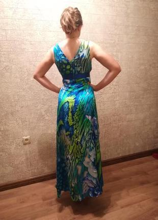 Шикарное платье от итальянского бренда
