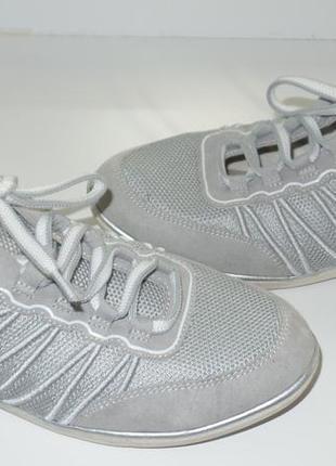 Фирменные кроссовки р 41