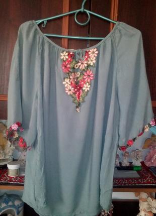 Блуза плечи с вышивкой
