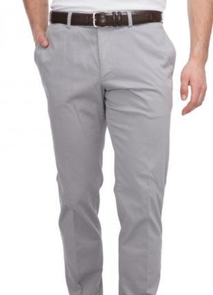 Фирменные брюки чиносы от ostin