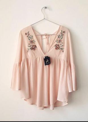 Красивая нежная пудровая блуза atmosphere с вышивкой 😍