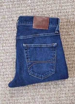 Hollister джинсы slim straight оригинал (w31 l32)