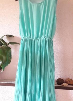 Женское мятное летнее нарядное вечернее платье плиссе плессированное