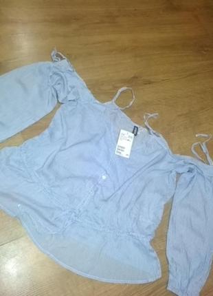 Блуза з відкритими плечами