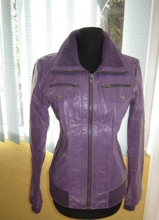 Шикарная женская  кожаная курточка бомпер