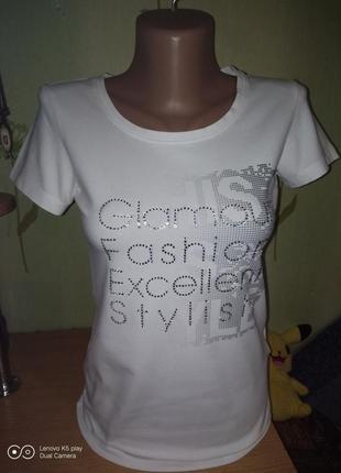 Замечательная футболочка  от iguana  в идеале -xxs-xs