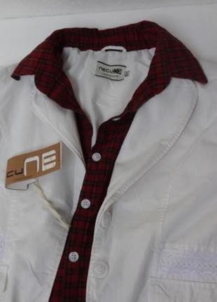 Молодёжная куртка с вшитой рубашкой. белая с кружевом.