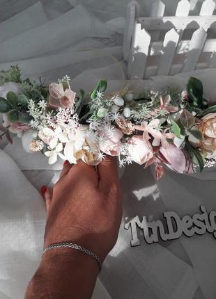 Венок розовый. свадебный венок. венок из роз и полевых цветов
