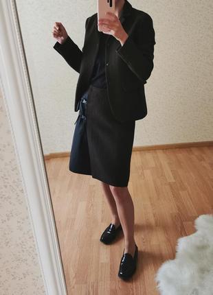 Дизайнерский шерстяной костюм с юбкой