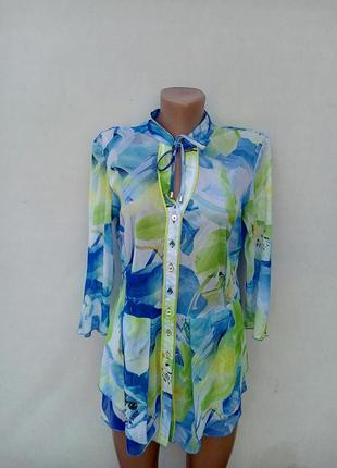 Яркая рубашка-блуза