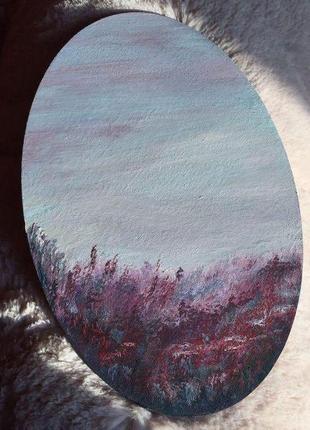 Рисунок на овальном холсте с багетной рамкой