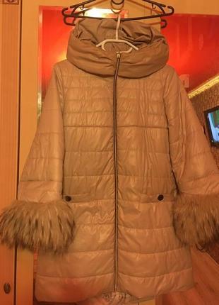 Шикарное пальто с енотом