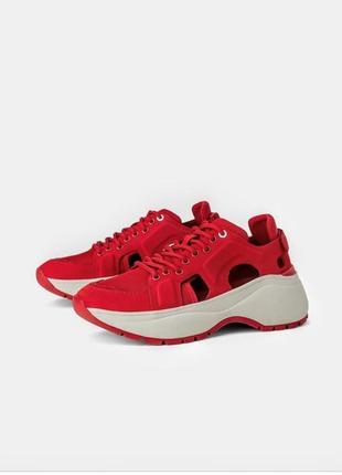 Клевые красные кроссовки босоножки zara модель 2019 года