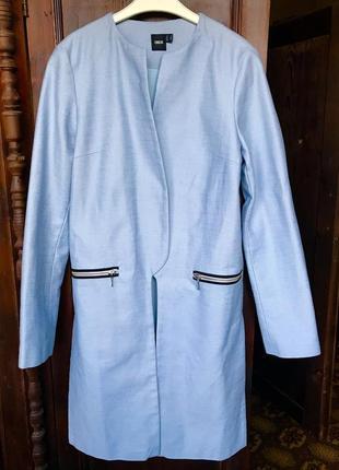 Голубое летнее пальто без застежек
