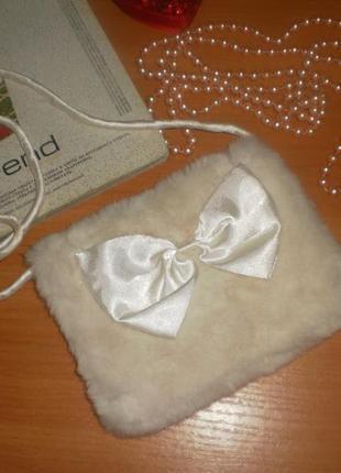 Класна мягесенька муфта (мехова) для дівчинки