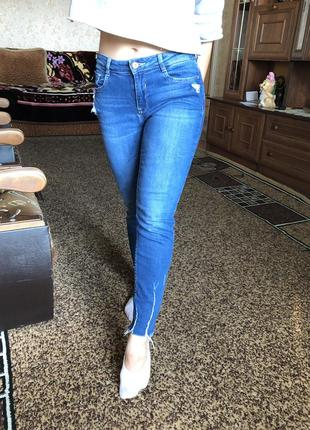 Крутые джинсы на осень