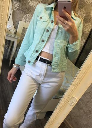 Мятный джинсовый пиджак