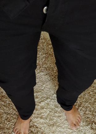 Идеальные легкие черные слимы h&m