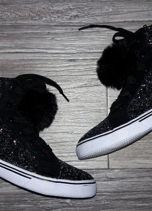 Деми ботинки в блестки с помпоном р.35-36