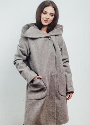Нежно розовое женское пальто с капюшоном {46-56}2 фото