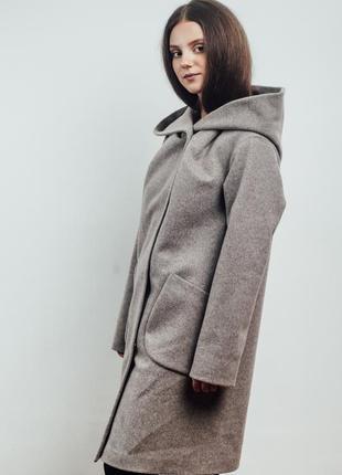 Нежно розовое женское пальто с капюшоном {46-56}3 фото