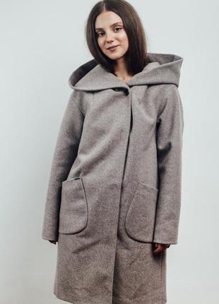 Нежно розовое женское пальто с капюшоном {46-56}4 фото