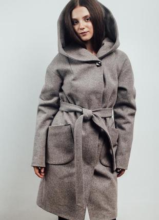 Нежно розовое женское пальто с капюшоном {46-56}5 фото