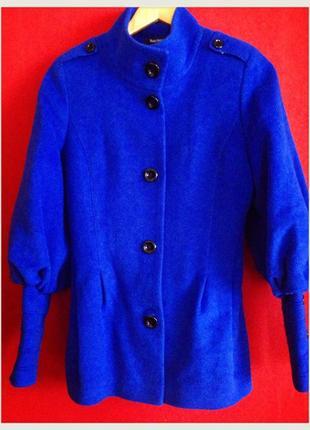 Очень эффектное красивое пальто