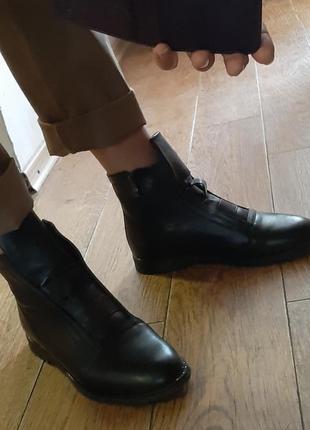 Демисезонные кожаные ботинки 39 р8 фото