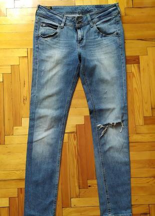 Рваные джинсы lee средняя посадка