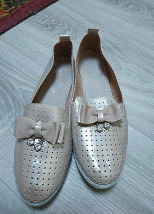 Очень классный перламутровые  туфельки, размер 38