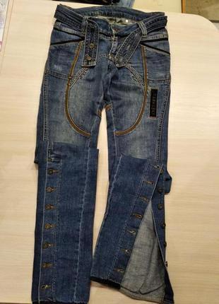 Креативные,фирменные,стильные котоновые джинсы р.26/s, турция.