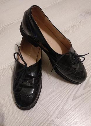 Кожаные классические туфли оксфорды для девочки натуральная лаковая кожа